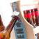 stojalo-za-steklenice-vintage-z-vgrajenim-odpiracem-wagon-trend%20(1)